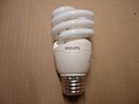 DSC08837 Philips 13W Mini Twister Daylight CFL.JPG
