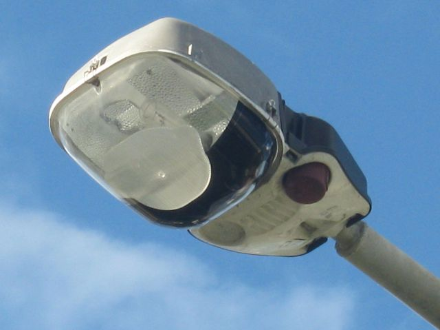 lighting-gallery-net - street lights stopped from doing their job  sylvania roadster