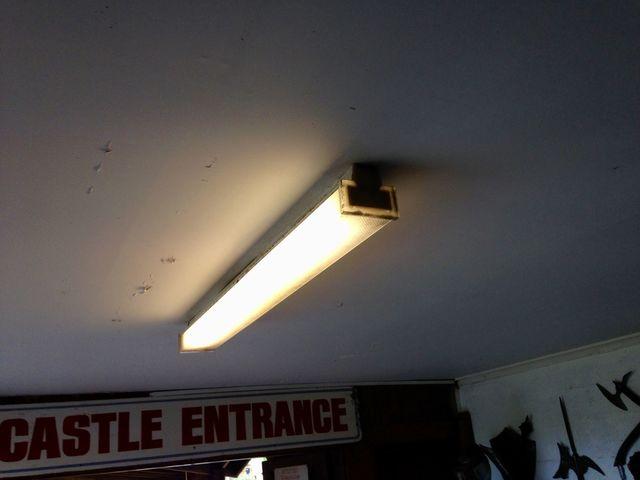 Lighting Gallery Net Fluro Lights 36w Twist Lock Cadet