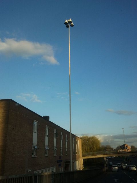 Found this photo of the Hi Mast lanterns that have unfortunately been replaced by LEDisease. What Make and Model are they? Plus were they SOX hi mast ... & Lighting-Gallery-net - UK Streetlighting/Hi mast